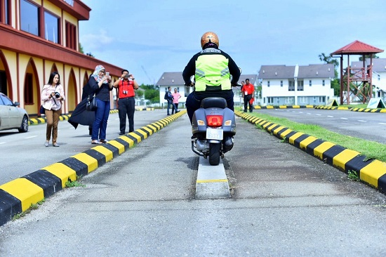 Test motorsikal