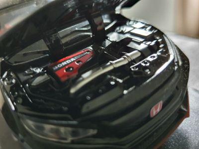 Honda Civic Type R engine hood